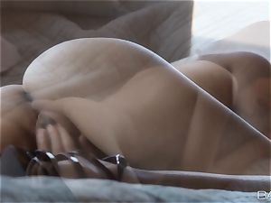 Cassie Lane enjoys some solo getting off
