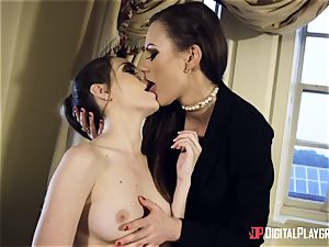 bathtub cunny playtime with Tina Kay and Kimmy Granger
