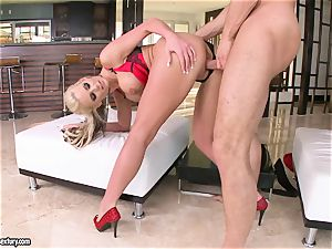 chesty Phoenix Marie enjoys getting her coochie drilled
