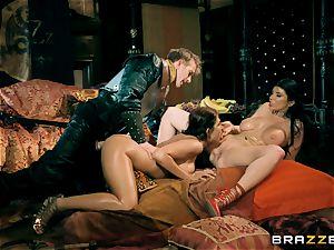 three with Romi Rain and Ayda Swinger queen of thrones