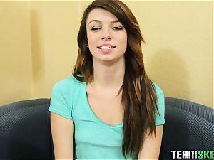 Aspen Ora handling her throat