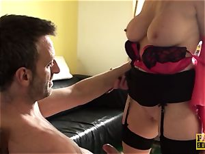 Mature uk gimp gets handcuffed and predominated over