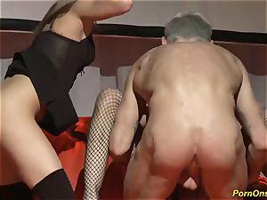 threeway boink sex on public stage