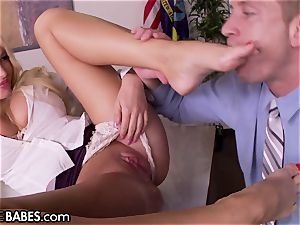 phat titties Office milf Uses soles to punish worker
