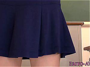 squirting japanese schoolgirl loses her panties
