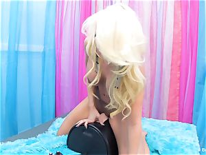 light-haired Britney Amber rails the sybian