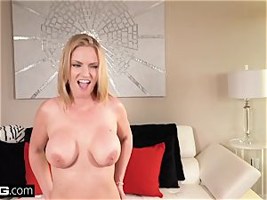 Real cougars - meaty melon cougar point of view with Rachael Cavalli