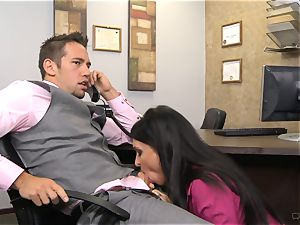 molten manager Jessica Jaymes gives her worker some incentives