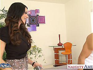 Alluring Ariella Ferrera naughty for her neighbor