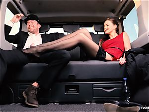 humped IN TRAFFIC - british Tina Kay drilled in the car