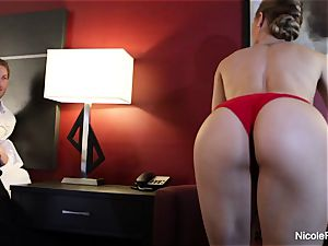 super fantastic Nicole Aniston taunts and pounds
