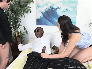 Paisley Parker Gets dark-hued fuck-stick and husband munches Up jizz