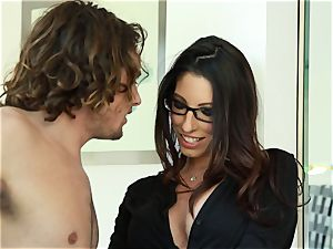 Taylor Reed plows her stud with Dava Foxx