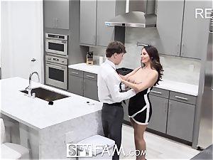 SpyFam Step mom Ava Addams plumbs step son-in-law