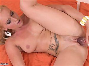 Kathia Nobili ravage her gf with fake penis
